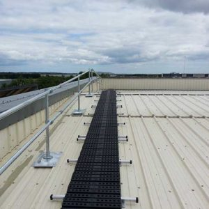 Kee Walk rooftop walkway with KeeGuard Topfix edge protection